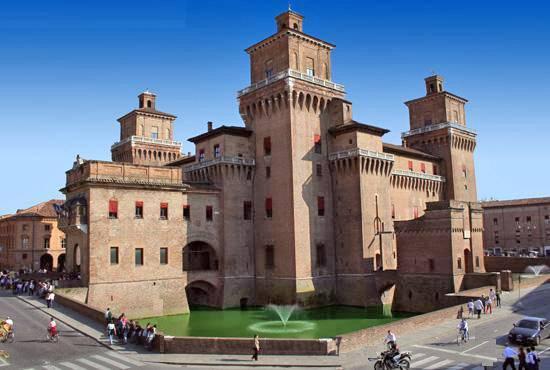 Ferrara e l'Abbazia di Pomposa: arte e storia sulla foce del Po