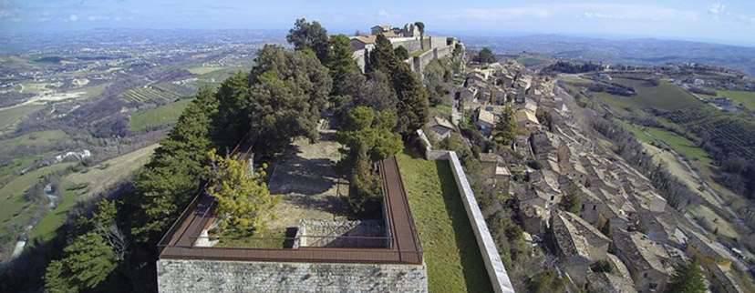 SCENE D'ABRUZZO: Fortezza di Civitella del Tronto, Campli e la Valle delle Abbazie
