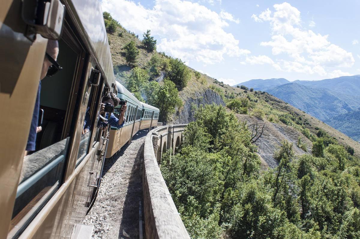 Transiberiana d'Italia: Passione Vivente a Barrea