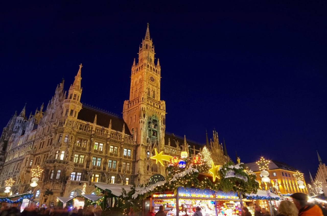 I fasti del Castello di Neuschwanstein e i suggestivi Mercatini di Natale in Austria e Germania